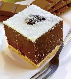 prajitura-de-ciocolata-cu-biscuiti