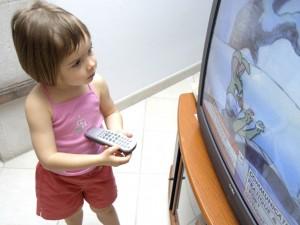 copil-televizor-hepta
