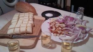 slanina-party-cu-brinza-slanina-ceapa-si-palinca-1